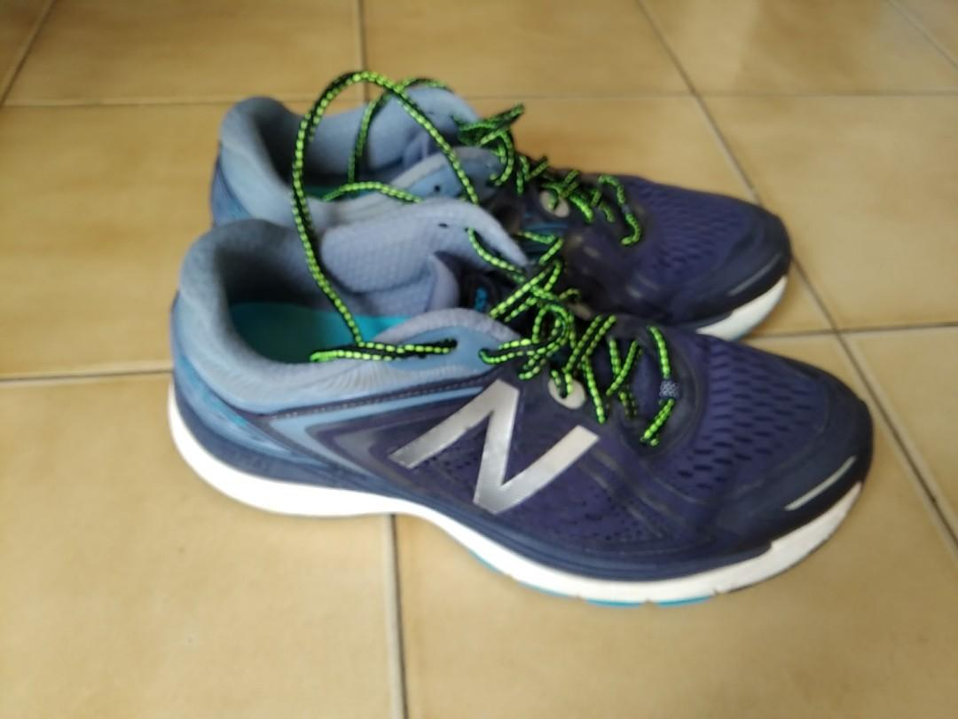 New Balance 860v8 Running Shoes US10 Mens