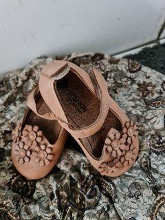 Sepatu anak 2th