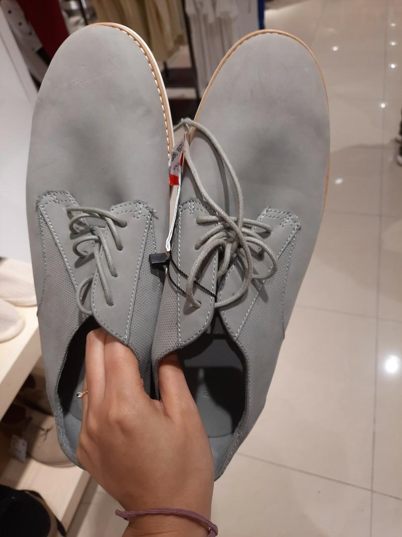 Sepatu pria pull and bear