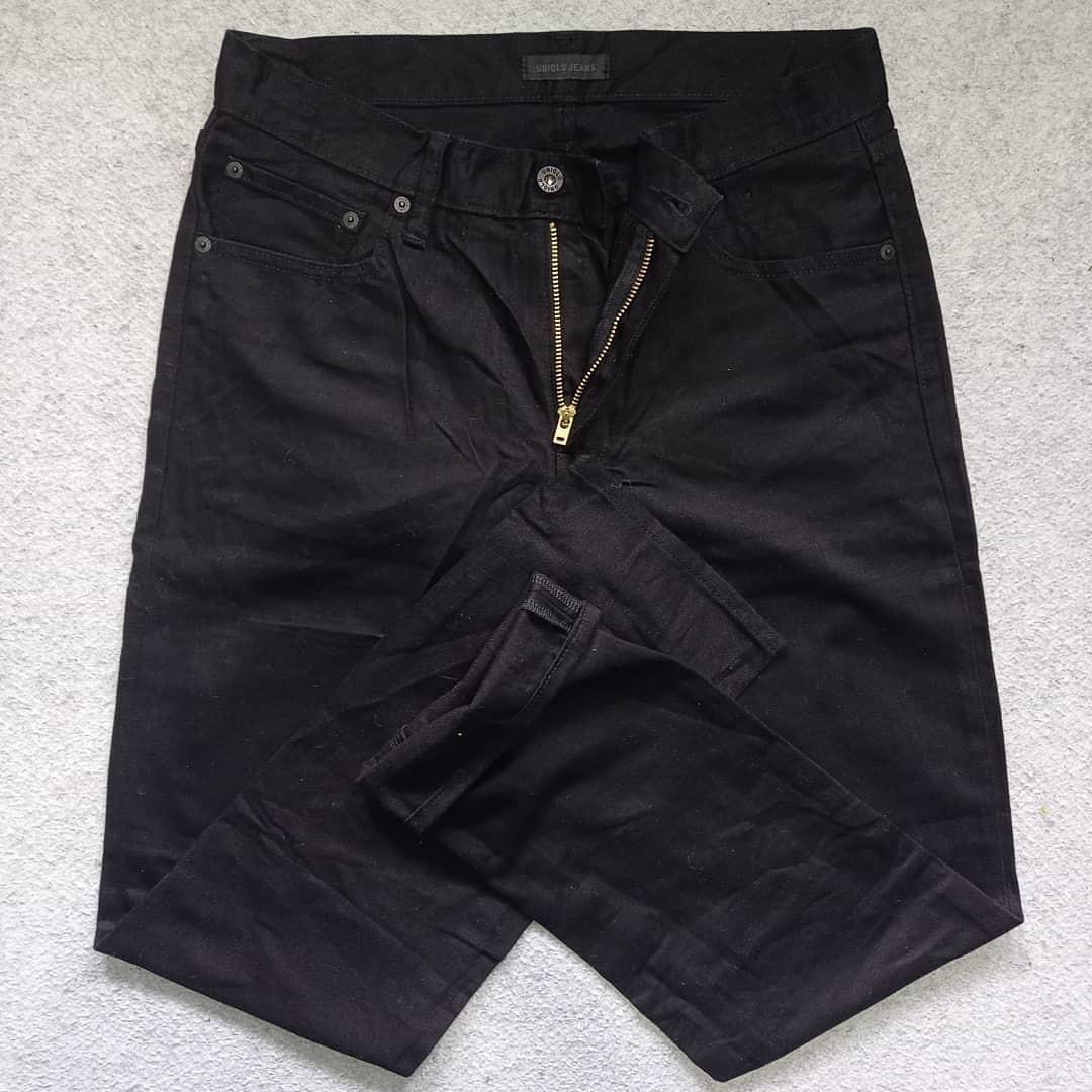 Uniqlo jeans pekat hitam