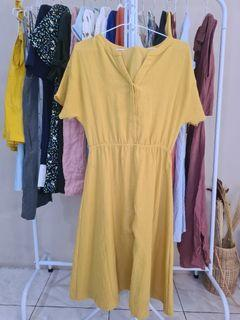 Dress mustard manis
