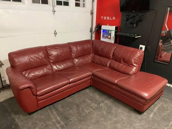 Sectional L- Shape Couch Authentic Leather - Delivery FREE!!!