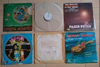 Vinyl Piringan Hitam Indonesia