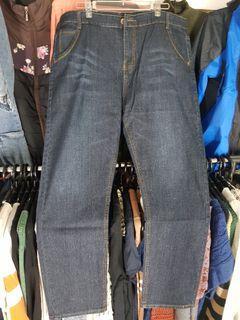 大尺碼彈性牛仔褲