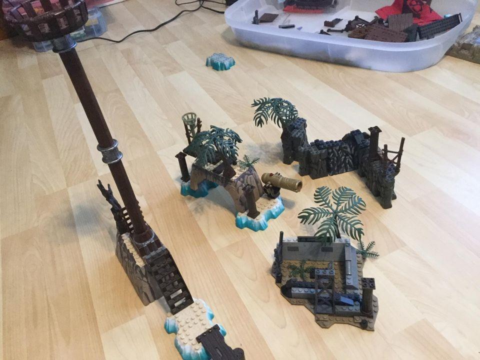 Assorted Pirates Mega Blocks stuff
