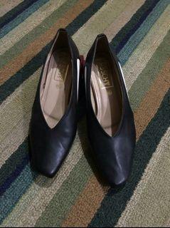 Sepatu / sandal / heels / mules