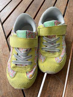 Sepatu mizuno x miki house