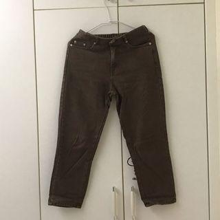 可愛ㄉ!鬆緊深咖色七分牛仔直筒褲  #母檔