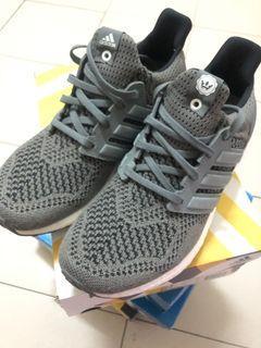Adidas 跟潮牌聯名款,全新,原價7600!