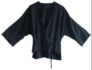 #Aritzia 1-01 wrap style top, Black, Size M