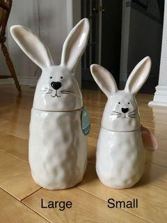 Pairs w/Rae Dunn: 10 Strawberry Street large & small bunnies (New)