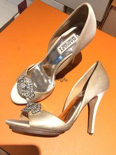 Preloved Badgley Mischka Champagne Gold Satin peeptoe heels size 6,5/23,5cm