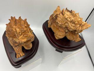 靈骨舍利龍龜 整塊雕琢 靈石有著超強的磁場 祂的材料是五百羅漢修法的龍宮洞內最接近坐化處 靈獸一對 風水磁場進化人間瑰寶