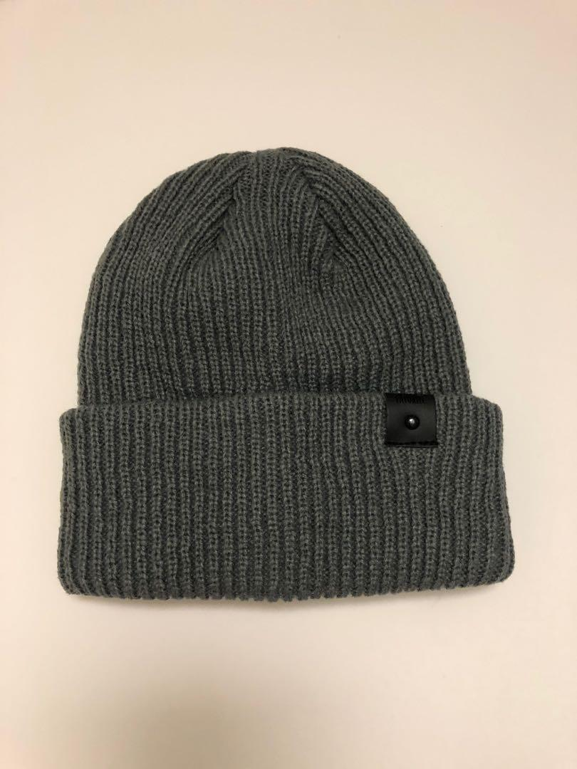 Beanies in Dark Grey & Beige