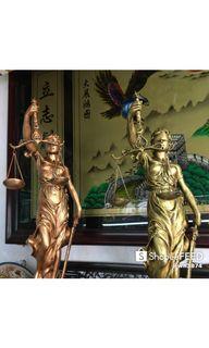 Patung keadilan dua pilihan warna tinggi 65cm