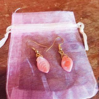 Pink leaf earings