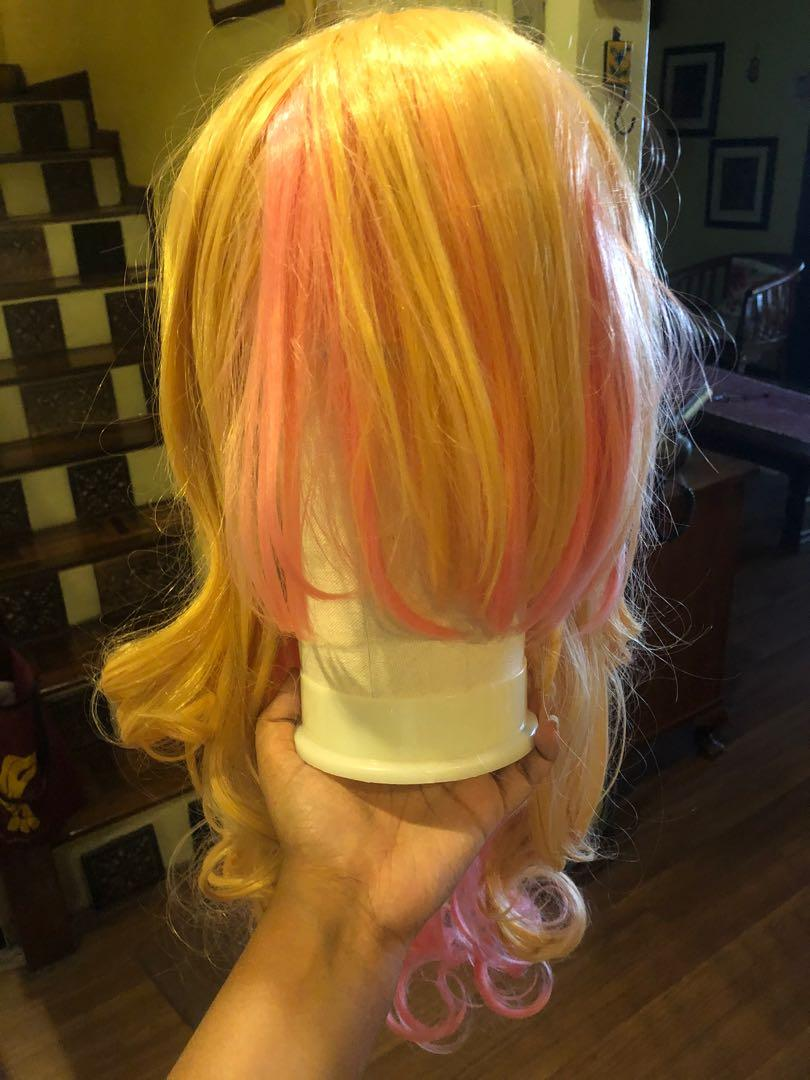 Blonde long wig with pink highlights