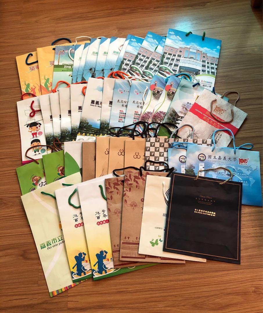 二手精緻紙袋  優質紙袋,中型紙袋,46個一起賣 禮物袋 環保袋,請看商品說明