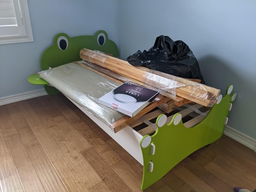 frog single bed for kids
