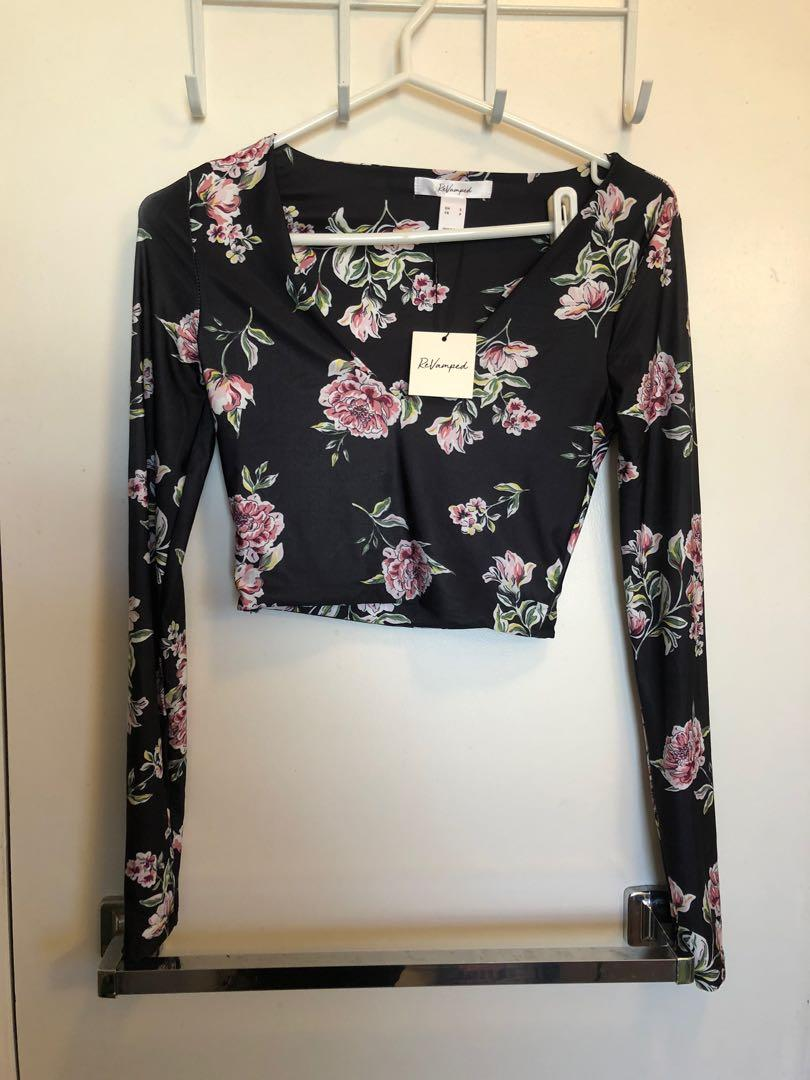 NEW ReVamped long sleeve crop top size small