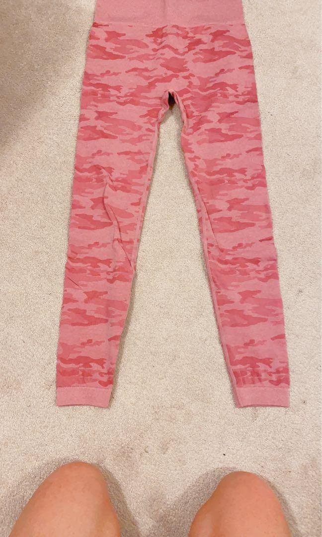 Pink Camo Seamless leggings size M
