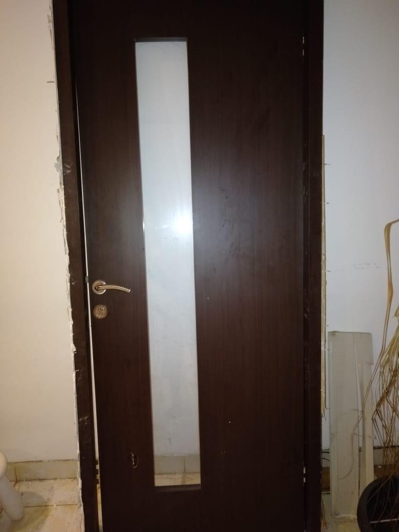 Pintu dengan kusen ya 89X216 cm