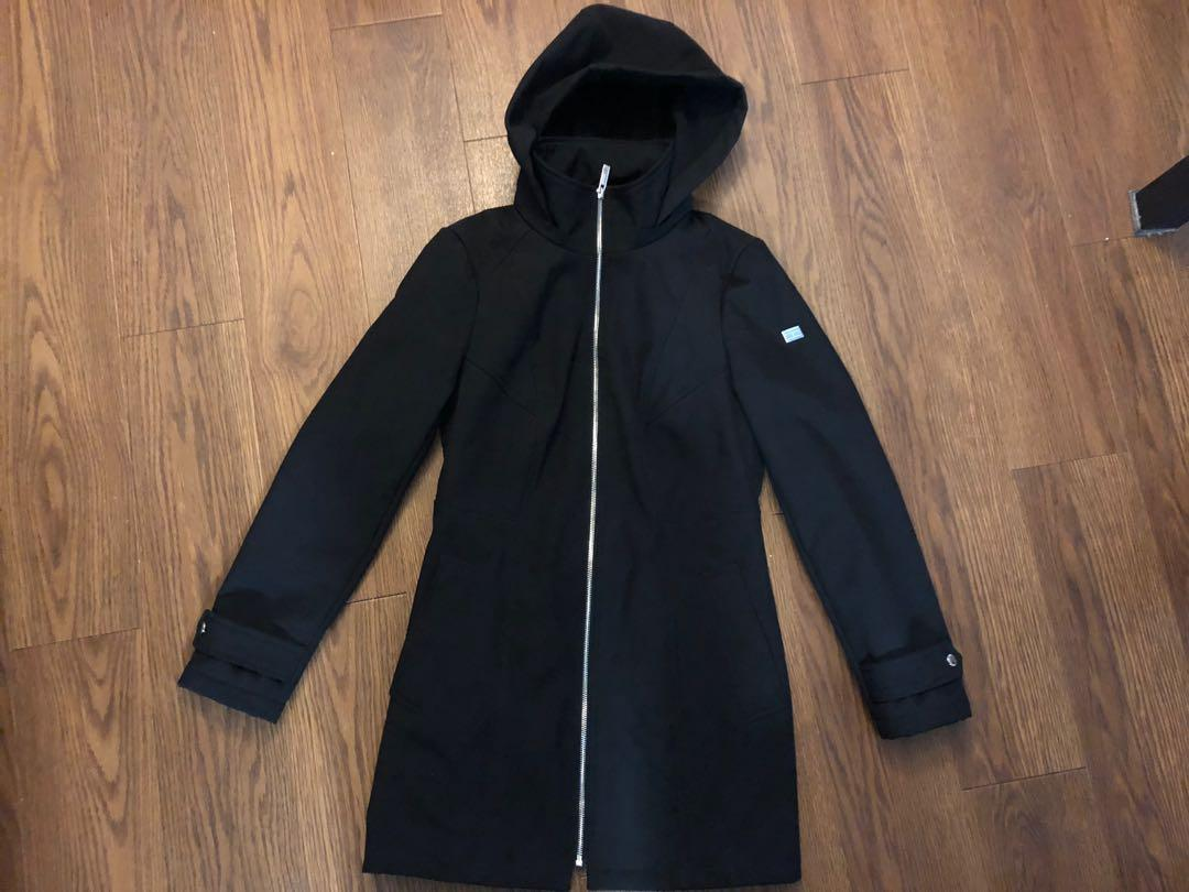 Tommy holdover raincoat