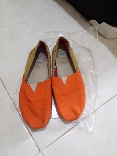 Sepatu Wakai Ori Sneakers