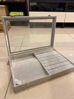 全新 絨灰布質感珠寶盒 原價$590 售$300 #集氣