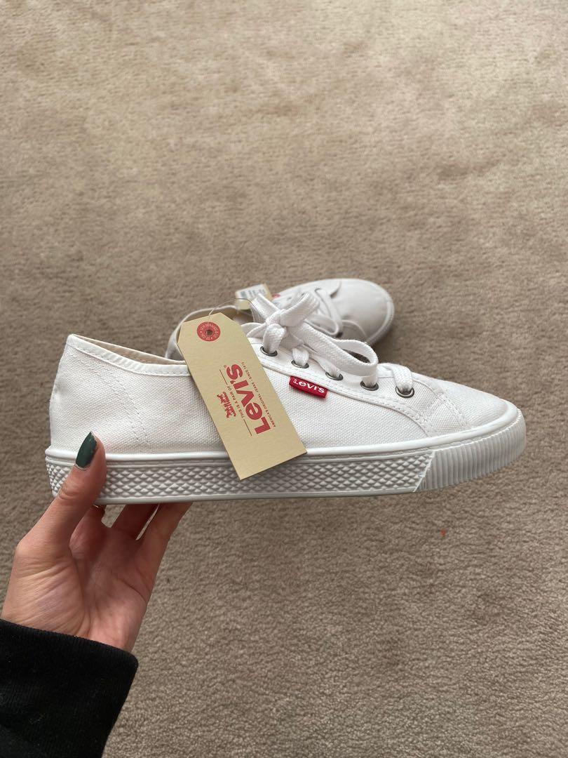 Levi's White Sneakers (6.5w)