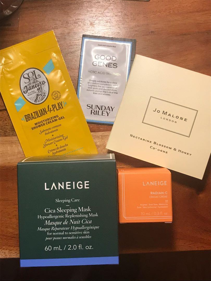 Skincare bundle + 2 free deluxe samples