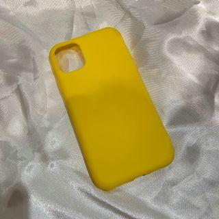 YELLOW SILICONE CASE IPHONE 11