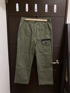 軍綠工裝口袋寬褲