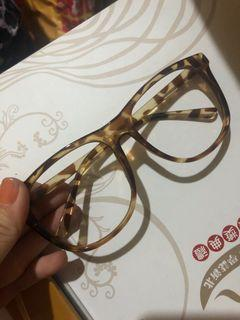 豹紋眼鏡框