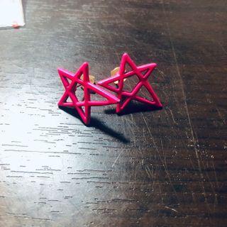 桃粉星星耳環