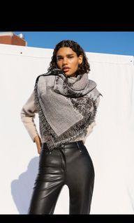 Aritzia Wilfred haus party blanket scarf black multi
