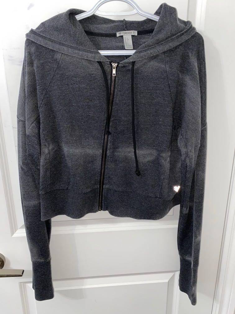 Forever 21 L Cropped Sweater