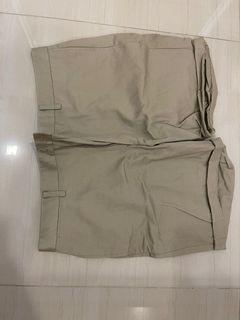 Man Berms/Shorts Sz 32-36