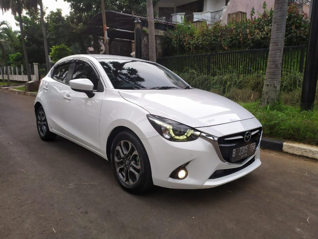 Mazda 2R Skyactive 2015 AT..White Pearl TOP Condition