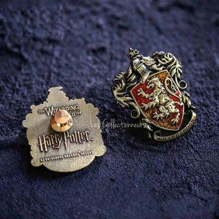 NEW GRYFFINDOR Glitter Badge Pin Brooch Harry Potter School of Hogwarts House Brooches