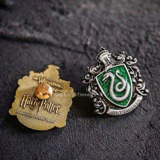 NEW SLYTHERIN Glitter Badge Pin Brooch Harry Potter School of Hogwarts House Brooches