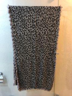 紫色豹紋長披肩