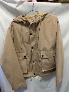 二手 工裝外套 外套 卡其色 連帽 抽繩 收縮 綁繩