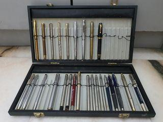 Asoorted Parker and Sheaffer ballpoint and rollerball