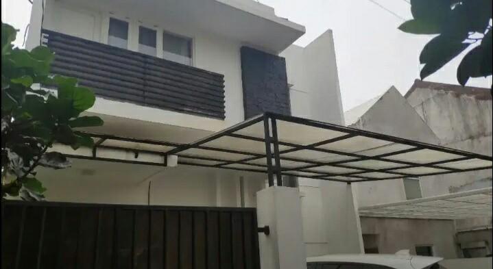 Dijual Rumah Asri BU 2 lantai di Jakarta Selatan