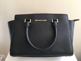 Michael Kors Selma in Black