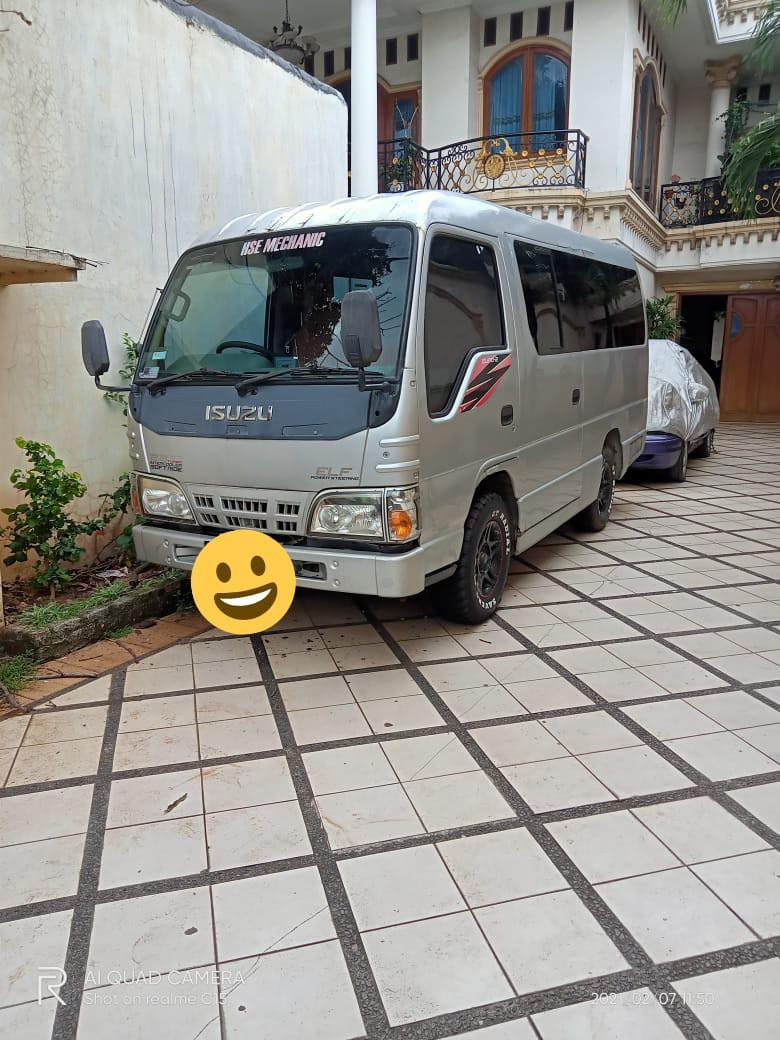 Mobil Isuzu ELF