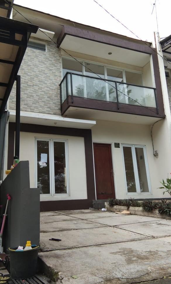 Rumah 2 lantai siap huni Di Cikeas residence