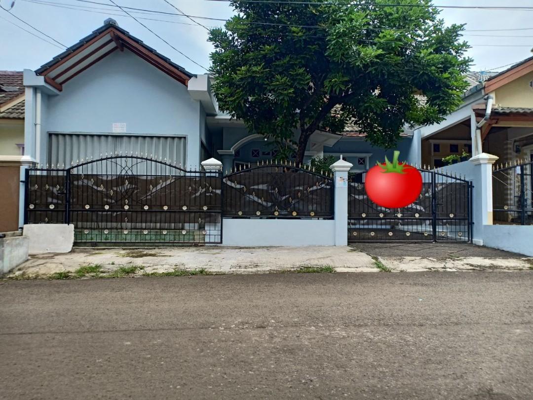 Rumah Luas Bonus Toko 4 Kamar di Jatiasih