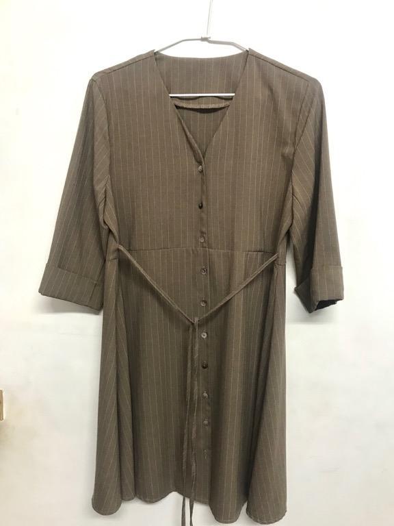 二手V領優雅咖啡棕 五分袖洋裝